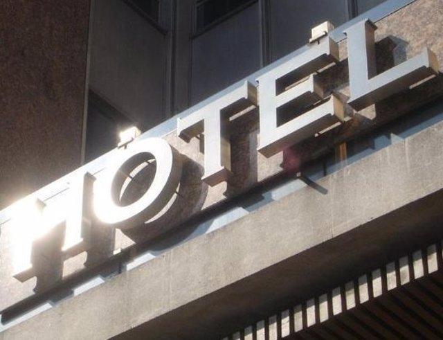 Parte De La Fachada De Un Hotel