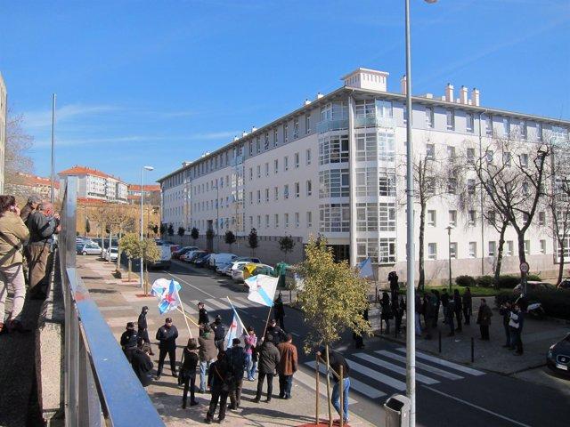 Protesta De Independentistas En El Juzgado De Santiago