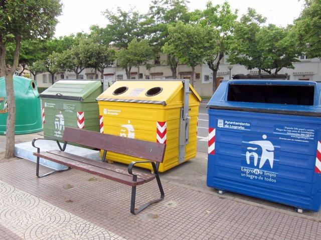 Imagen De Contenedores En Una Calle De Logroño