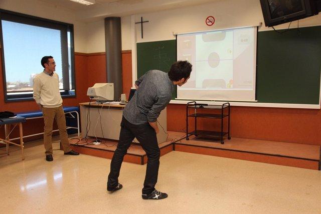 El Profesor De La UPV José Antonio Gil, Durante Una Demostración Del ACEPAR