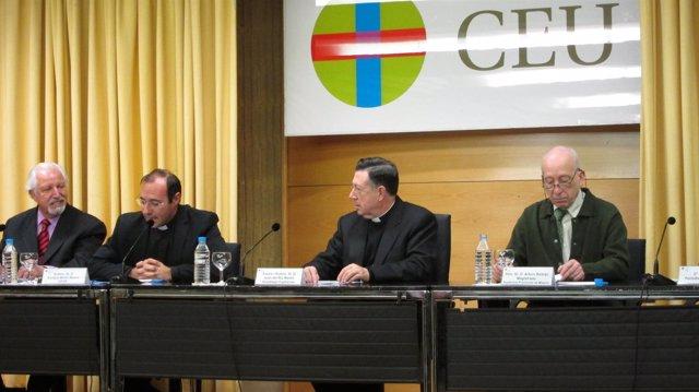 Arzobispo Castrense En El CEU