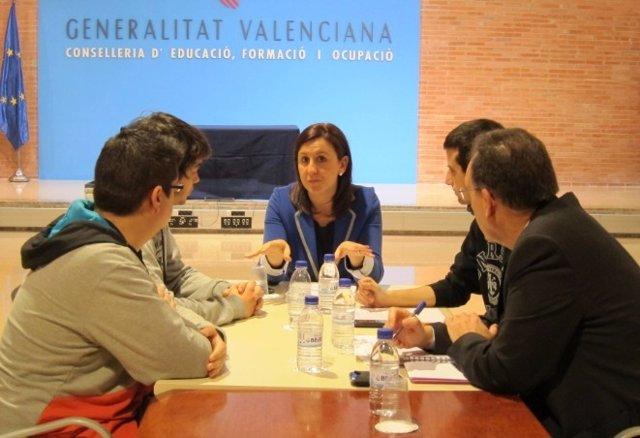 La Consellera Catalá En La Reunión Con Representantes De Faavem