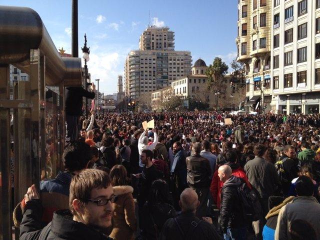 Imagen De La Manifestación En Valencia En Protetsa Por Los Últimos Sucesos