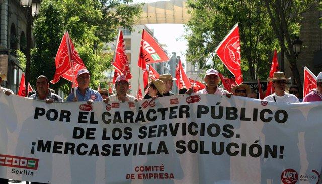 Manifestación De Los Trabajadores De Mercasevilla.