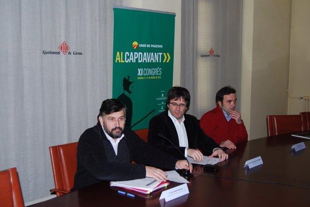 De Izquierda A Derecha, Joan Caball, Carles Puigdemont Y Marc Xifra