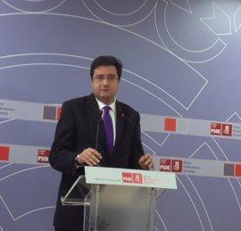 López (PSOE) avisa al PP de que no puede dar lecciones en el caso de los EREs dada su actitud en el caso 'Gürtel'