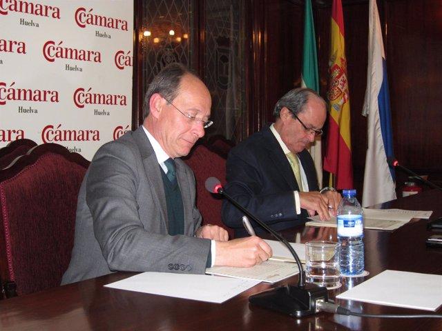 El Consejero De Medio Ambiente, José Juan Díaz Trillo, Junto A Antonio Ponce.