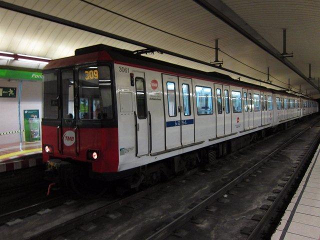 Estación De Fontana -- Línea 3 Del Metro De Barcelona