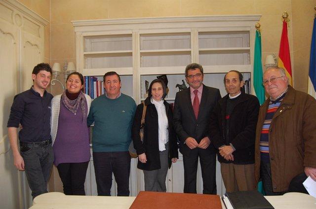 El Alcalde Gutiérrez Limones Con Representantes Vecinales