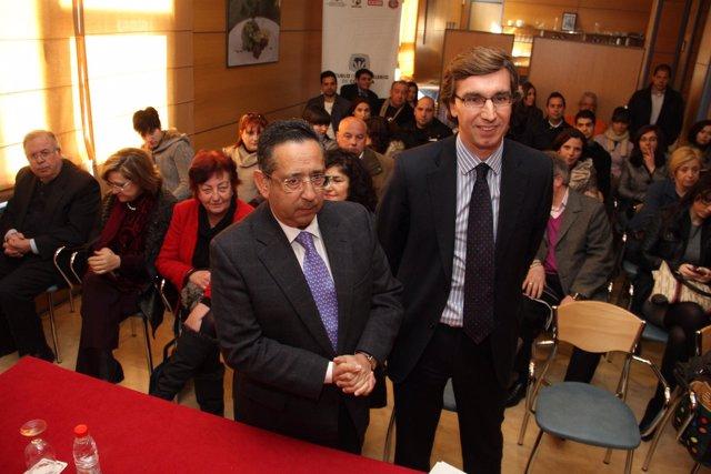 El Presidente Del Imdeec, Ricardo Rojas (Izquierda)