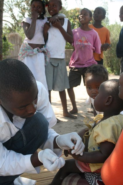 Novartis y MMV entrega 100 millones de tratamientos pediátricos contra la malaria 'Coartem Dispersable'