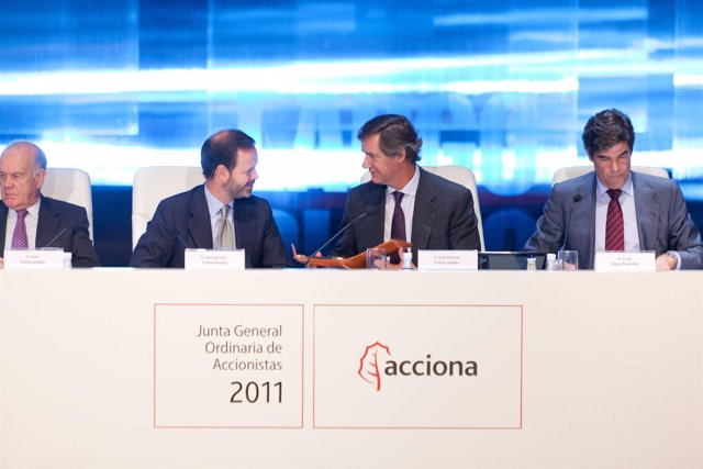 José Manuel Y Juan Ignacio Entrecanales En La Junta De Acciona