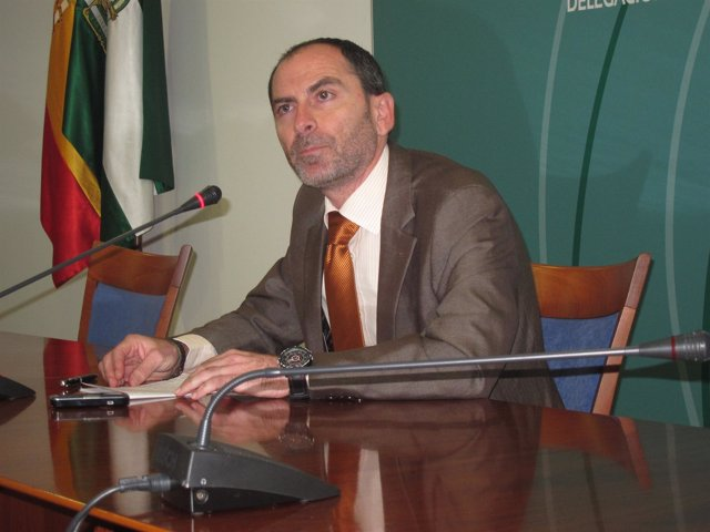 El Exalcalde Socialista De Valverde Del Camino Miguel Ángel Domínguez