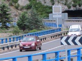 El Gobierno destina un millón de euros al mantenimiento y la seguridad vial de la red autonómica de carreteras