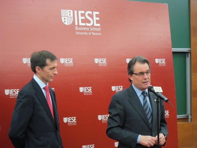 El Pte.De La Generalitat, Artur Mas, Y El Dtor General De Iese, Jordi Canals
