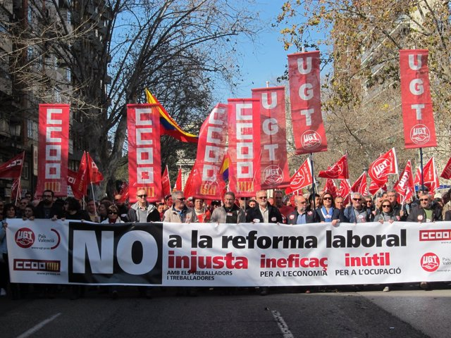 Cabecera De La Manifestación Contra La Reforma Laboral En Valencia