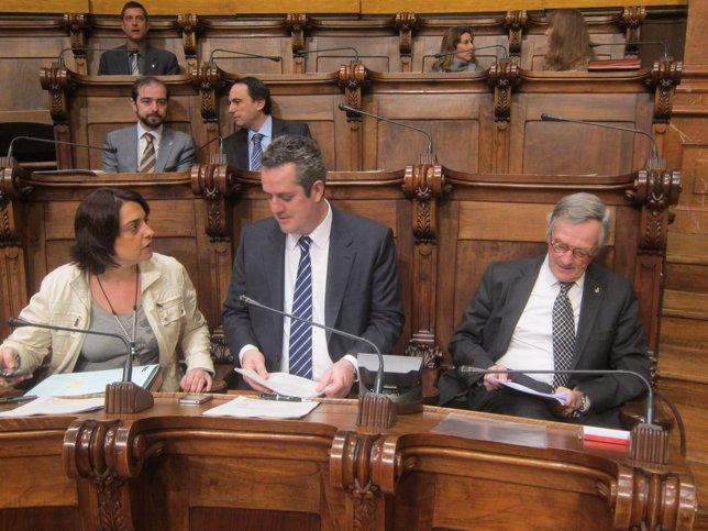 S.Recasens, J.Forn Y X.Trias, En El Pleno Del Ayuntamiento