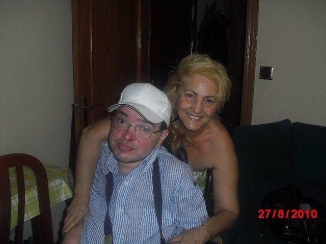 Carmen Flores Y Su Hijo