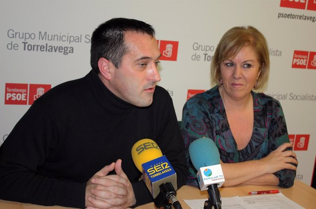Blanca Rosa Gómez Morante Y Pedro Aguirre En Rueda De Prensa