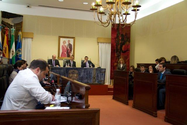 Imagen De Un Pleno En La Diputación Provincial De Huelva.