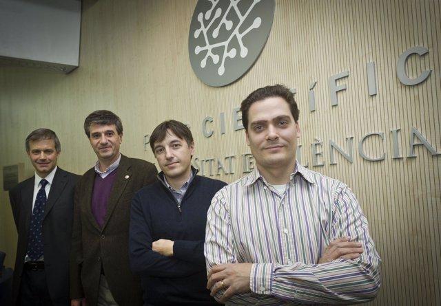 El Equipo Del Observatori Astronòmic De La Universitat De València