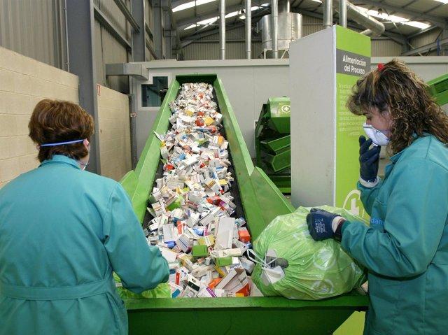 Reciclaje De Medicamentos Y Fármacos
