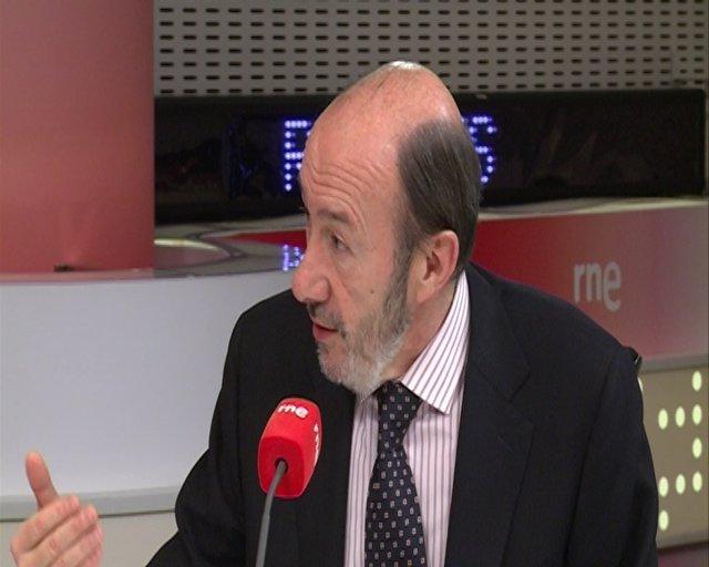"""Rubalcaba: """"PP hace ajuste ideológico con la reforma"""""""