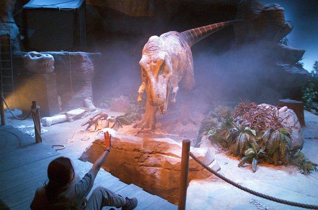 Espectáculo Tiranosuaro Rex En Dinópolis