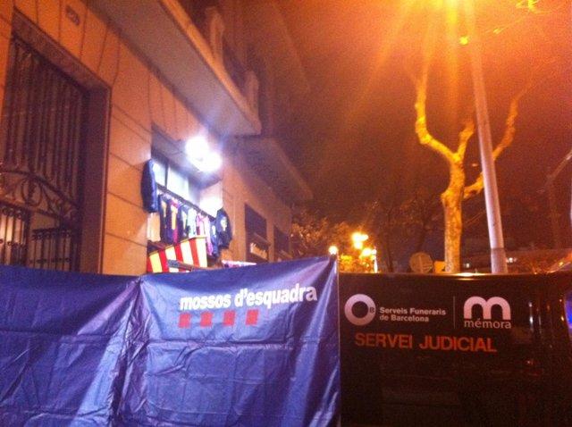Hallazgo De Tres Cadáveres En Un Piso De Barcelona
