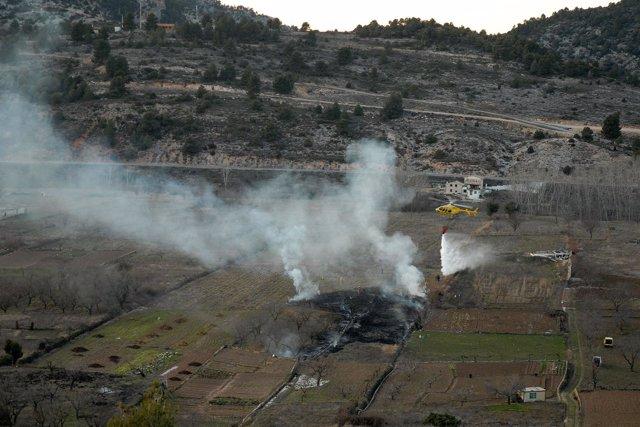 Brigada Helitransportada Apaga Fuego Agrícola En Beceite, Teruel