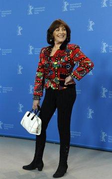 La Actriz Carmen Maura Posa En La Berlinale