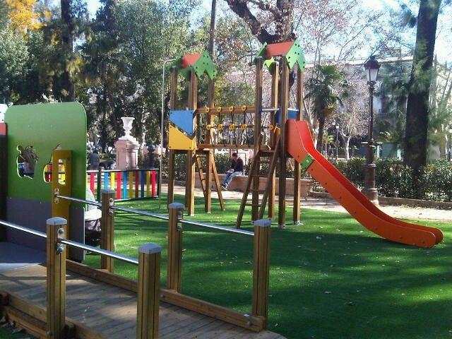 Culmina En Los Jardines Del Cristina La Instalacion De Juegos
