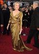 Meryl Streep posando sobre la alfombra roja de los