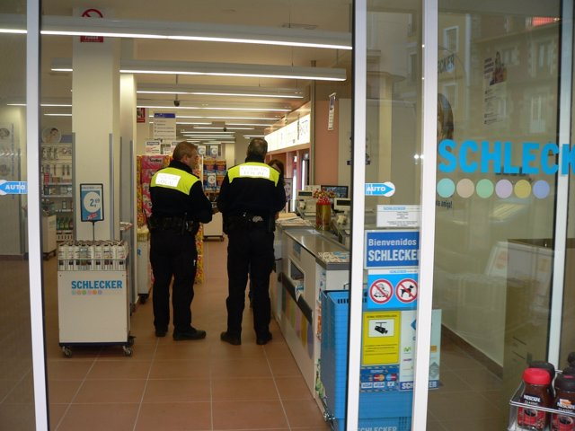 La Policía Local Clausura Un Supermercado