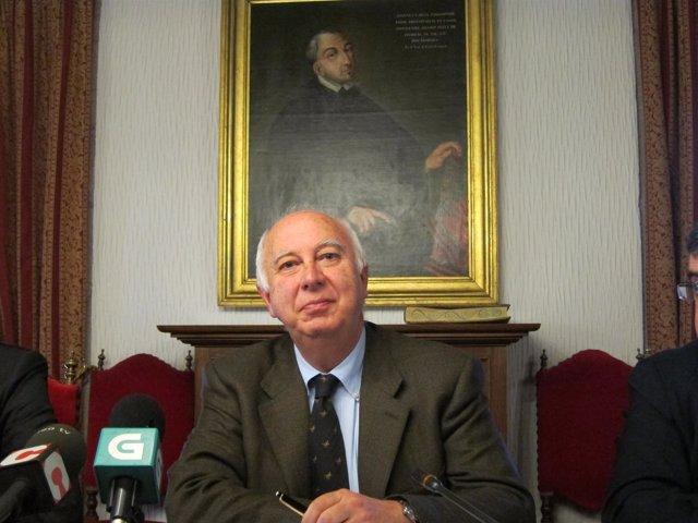 El Rector De La USC, Juan Casares Long