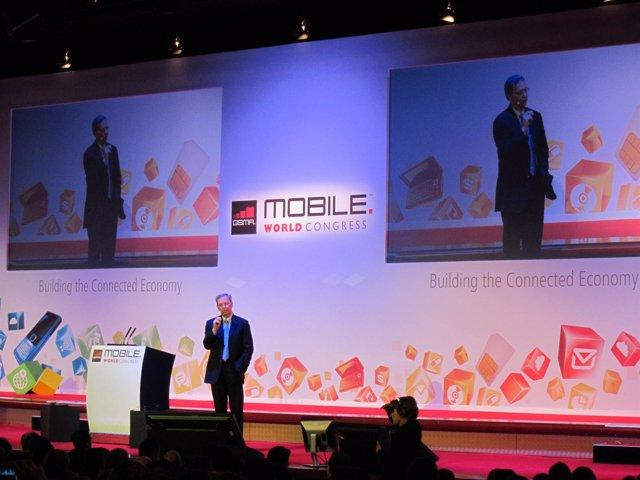 El Director General De Google, Enric Schmidt, En El MWC De Barcelona
