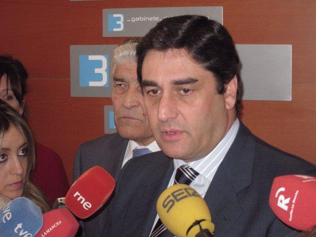 José Ignacio Echániz, Consejero De Sanidad Y Asuntos Sociales