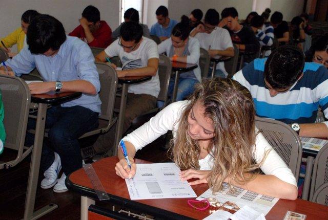 Universitarios, Alumnos, Selectividad