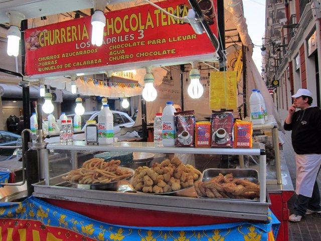 Puesto de churros y buñuelos en Valencia