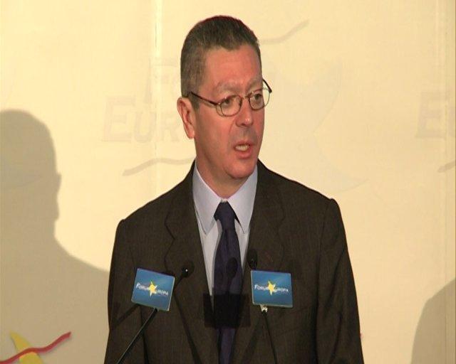 Gallardón abre la puerta al diálogo con ETA