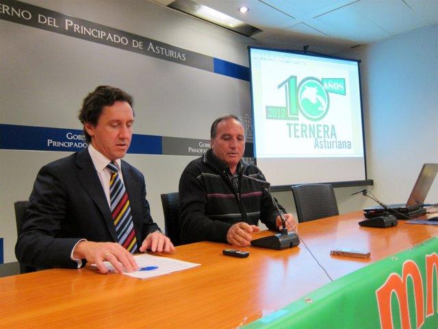 Longo (Izquierda) Con Remis, En La Rueda De Prensa.
