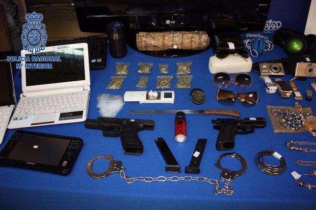Material Intervenido Por La Policía A Los