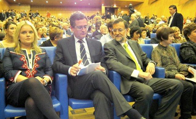 Marimar Blanco, Antonio Basagoiti, Mariano Rajoy y Carmen Hernández.