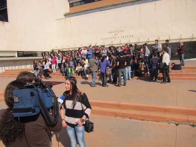 Sara Marchena Portavoz De Los Estudiantes Que Se Han Manifestado En Cáceres
