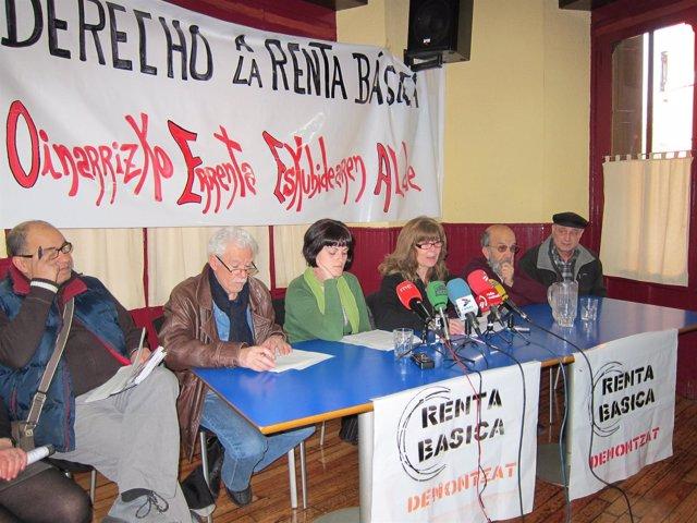 Representantes De La Plataforma Por La Defensa Del Derecho A La Renta Básica.