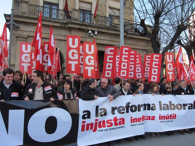 Concentración De UGT Y CCOO Contra Las Políticas De Recortes De La UE.