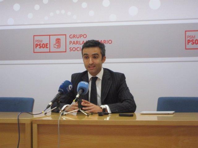 Eusebio González En Rueda De Prensa En La Asamblea De Madrid
