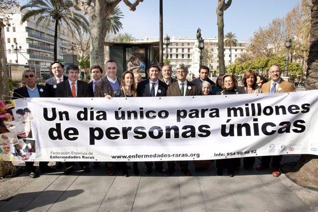Miembros De FEDER-Andalucía En El Día Mundial De Las Enfermedades Raras