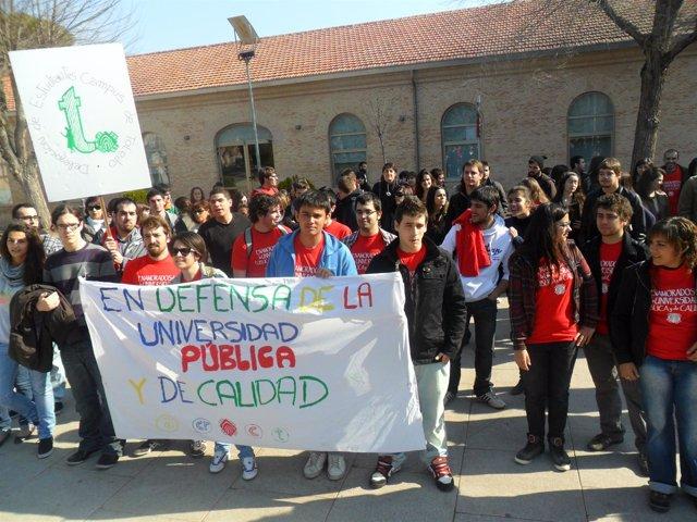 Estudiantes Concentrados En Toledo