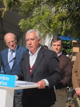 El Candidato Popular A La Presidencia De La Junta, Javier Arenas, En Huelva.